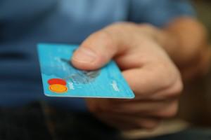 kreditkarte wer bekommt eine